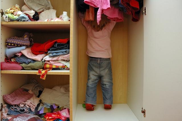 dítě u šatny.jpg